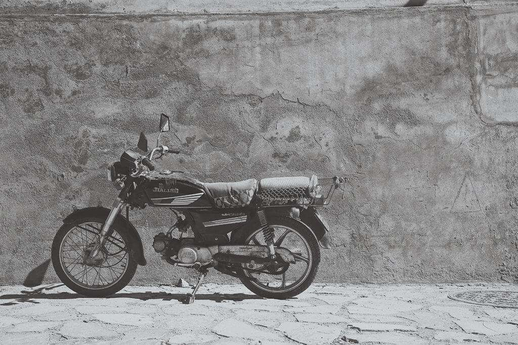 Grayscale image of a motorcycle